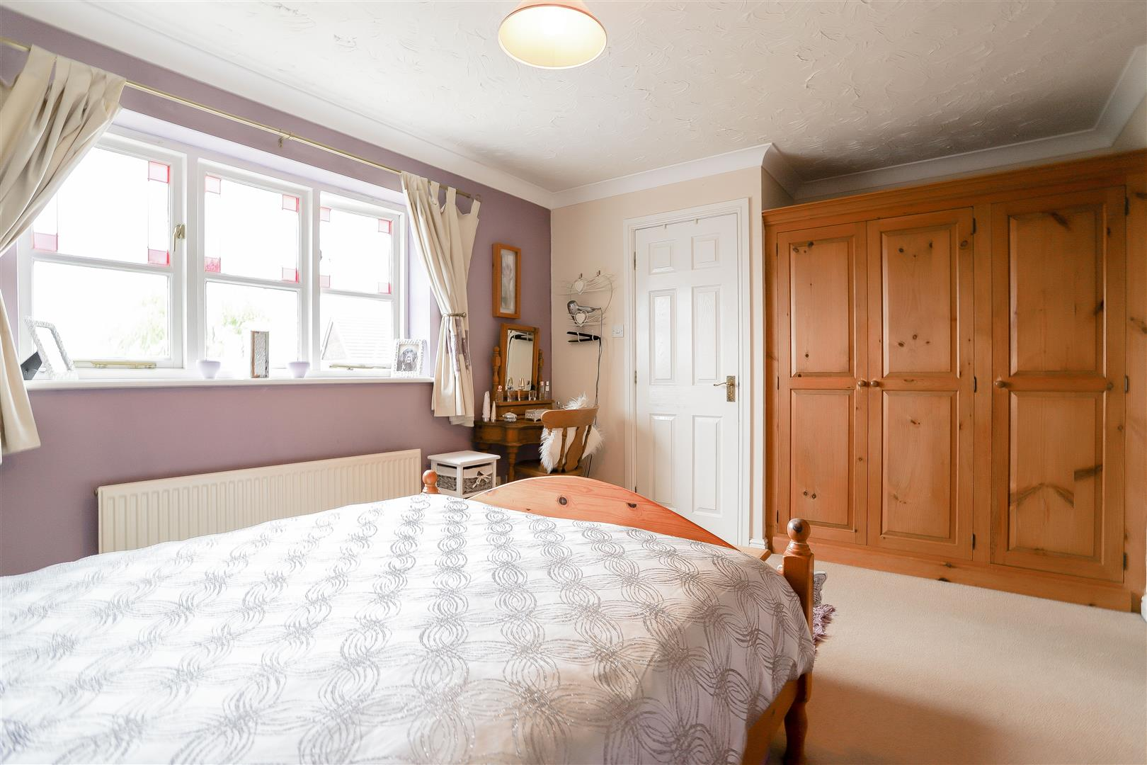 3 Bedroom Detached House For Sale - 21.jpg